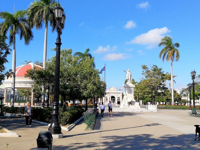 环游加勒比(40)古巴·西恩富戈斯何塞马蒂广场