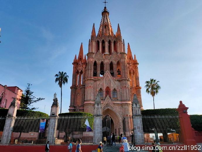 """墨西哥(21)圣米格尔大教堂,昵称""""婚礼蛋糕"""""""
