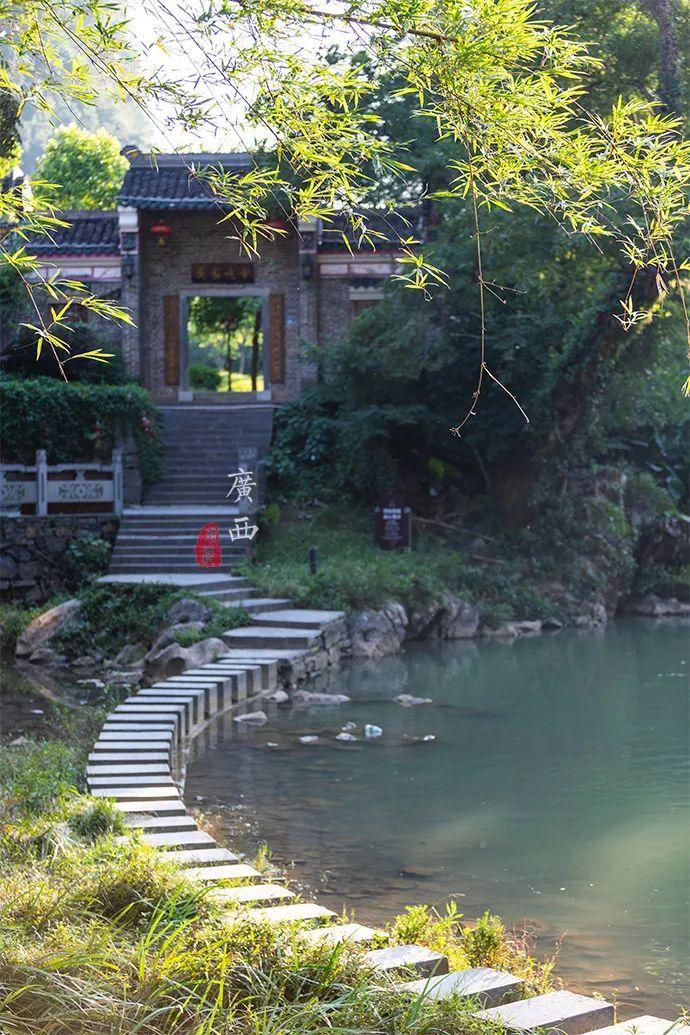 这个千年古镇的古戏台,10公里外都能听到声音,秘诀竟是水缸