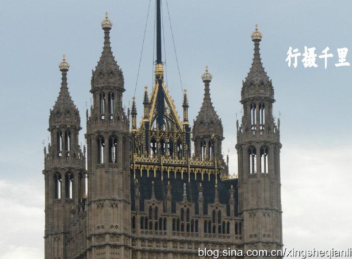 """世界最大哥特式建筑英国国会大厦:""""大本钟""""和威斯敏斯特教堂"""