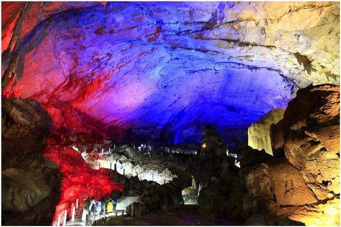 多彩贵州···中国最美奇洞【织金洞】