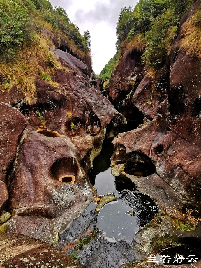 福建福安:白云山九龙洞的壶穴奇观