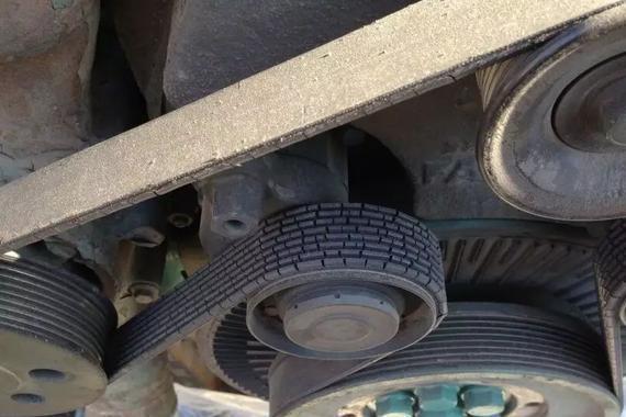 车辆行驶18万到30万公里需提前检查更换<em>皮带</em>和张紧轮以及<em>风扇皮带</em>