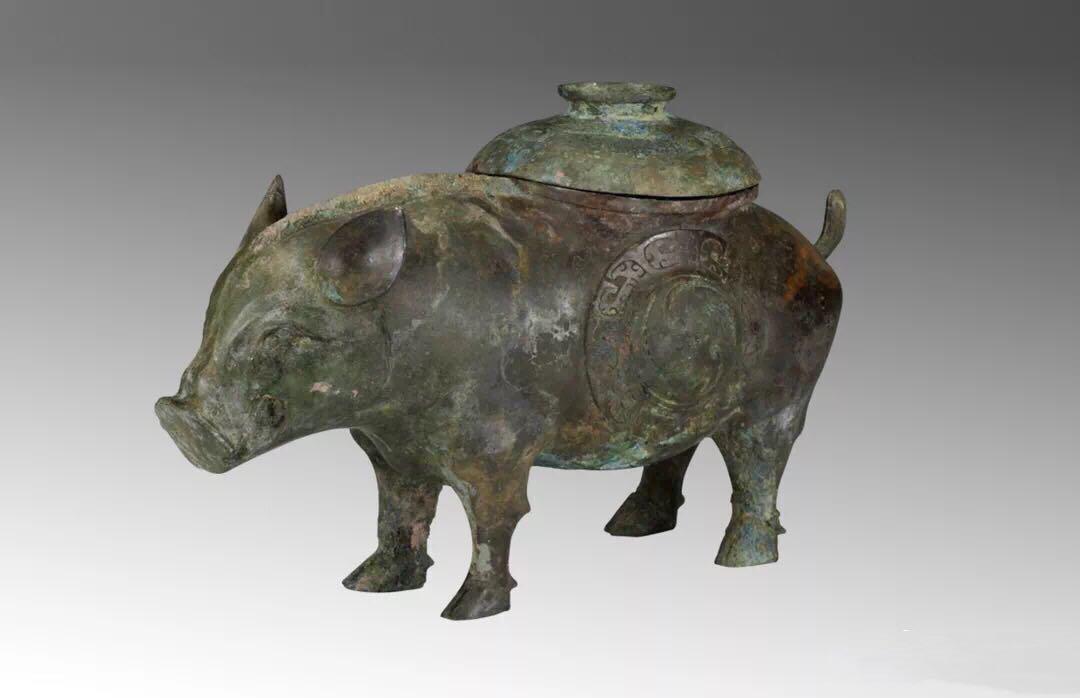 【西周 · 猪尊】青铜,盛酒器。山西博物院藏。