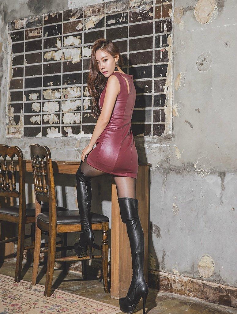 皮裙,长靴,性感迷人的性感,很酷.极度丰满美女图片