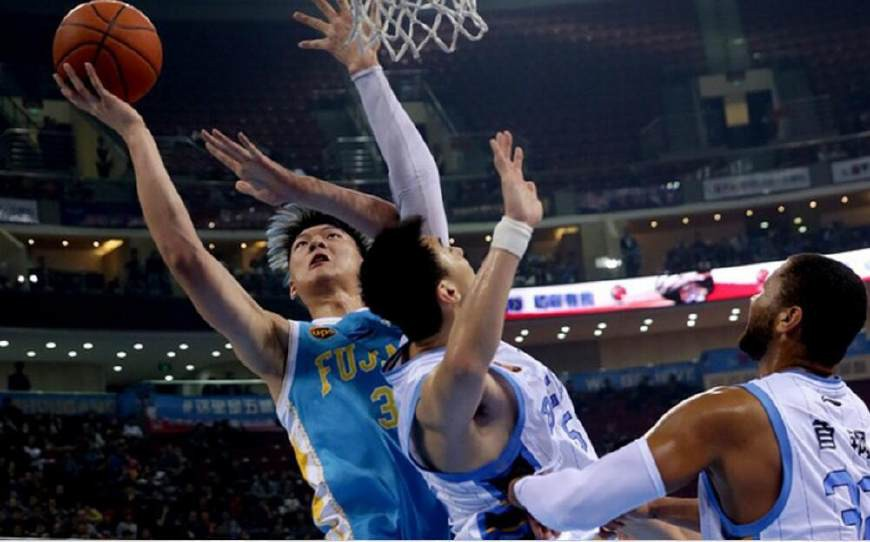 马健说周琦王哲林进NBA没戏,今晚俩人便已暴露!