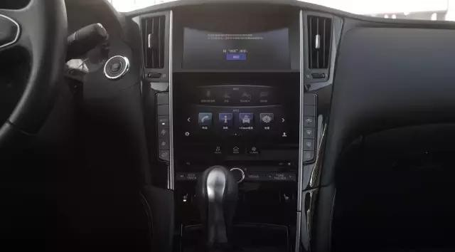 骚男也!试驾评测英菲尼迪Q50L