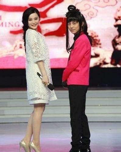 蔡依林穿增高鞋还没到张梓琳脖子,杨颖真实身高好矮