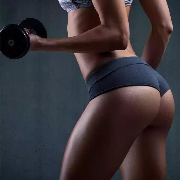 喜欢健身的美女到最后就是变成超级美女