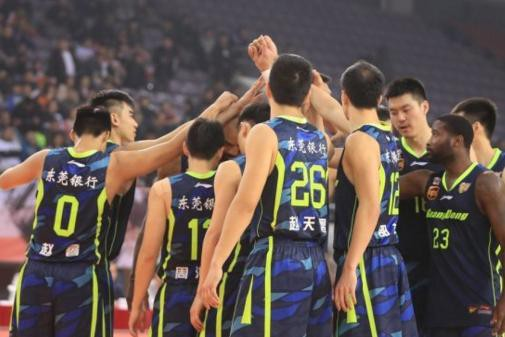 杜锋:新疆最强广东有差距!球迷赞其CBA波波维奇!