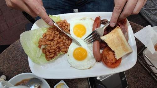 """阿斯顿移民:英国除了""""黑暗料理""""真的没有美食?"""