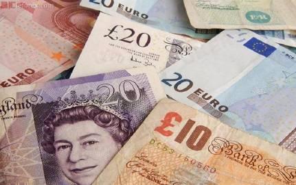 阿斯顿移民:在英国工作华裔男女,薪资差距扩大!