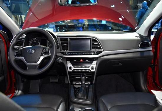 25岁买人生中第一台轿车,15万内这几款最有面子!
