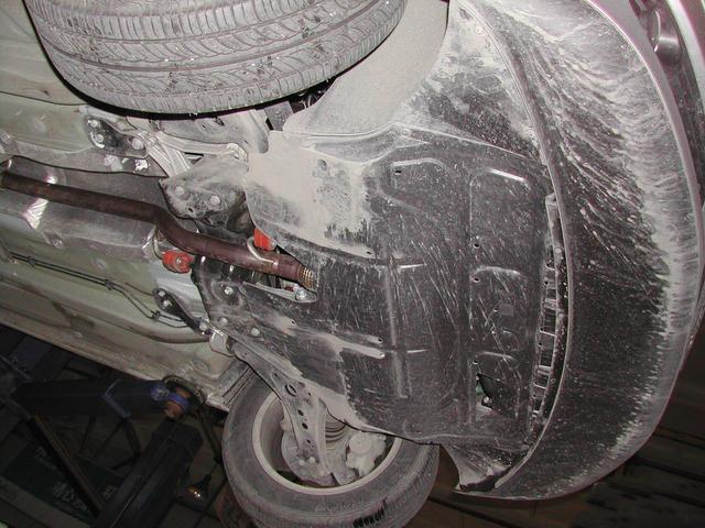 发动机下护板的作用真不是你想的那样!你真的想错了