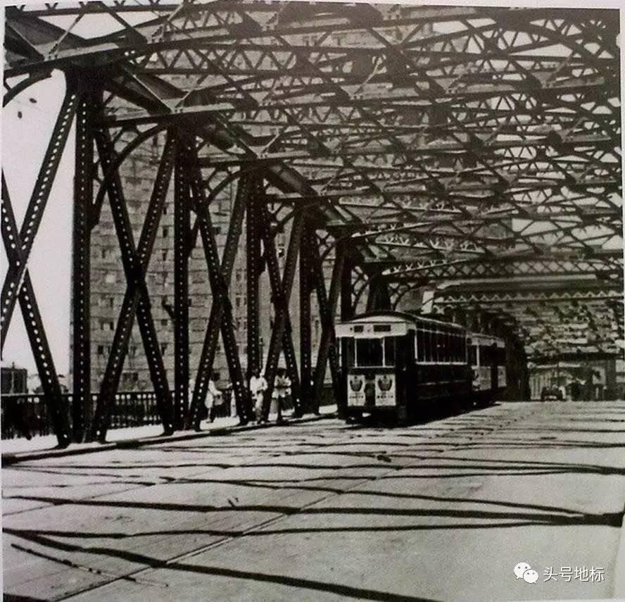 有一天,外白渡桥被卡车撞了