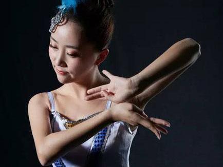 柳姿舞蹈老师