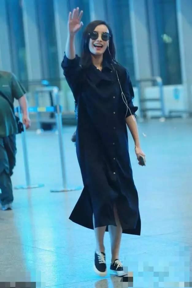 杨幂的短裙,孙坚的高腰裤,明星穿搭有心机!