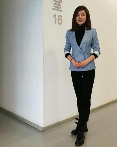 35岁杜丽姐弟恋近况,拒广告代言豪宅,满足千元工资