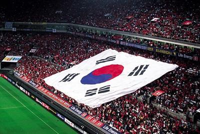 最黑世界杯,韩国连克3强,12年后公开承认贿赂裁判