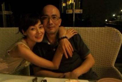 她是迷你短裙第一人大长腿曾俘获甄子丹44岁依旧美丽