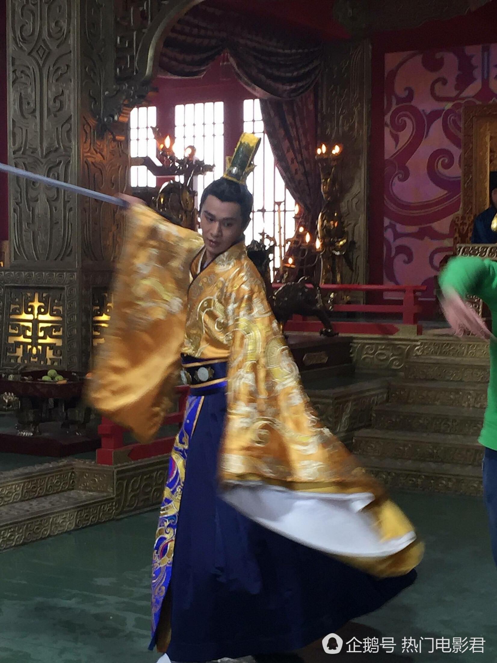 乔振宇晒自拍被贴纸抢镜,没想到你是这样的楚怀王