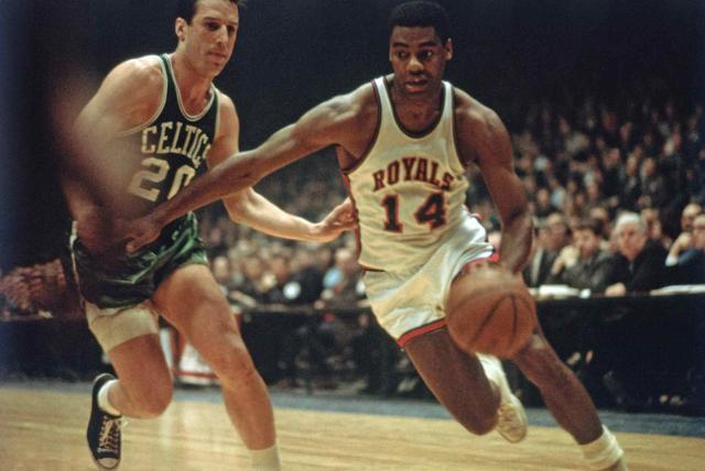 NBA最牛一届最佳阵容:5人得分超30 两人数据历史级