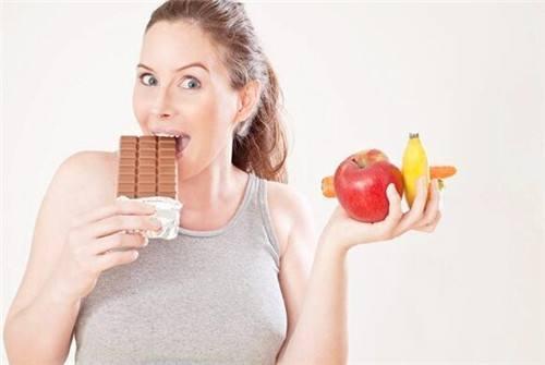 怀孕能吃酸�:lo9.b_孕妇因贪吃这些食物,怀孕7月胎死腹中