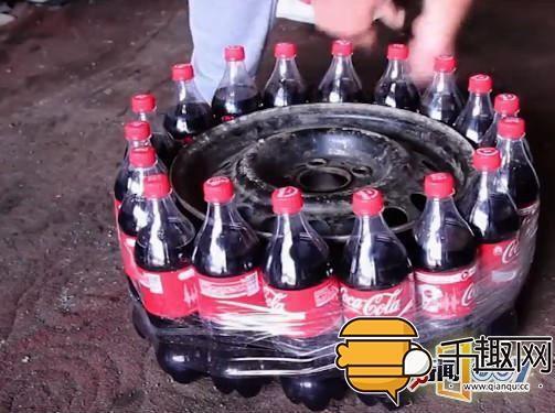 男子作死把可乐瓶绑在奔驰轮胎上做实验