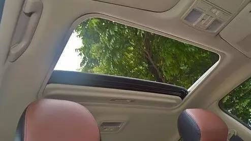 买车时多花1万块加个天窗,竟不知应该这样用