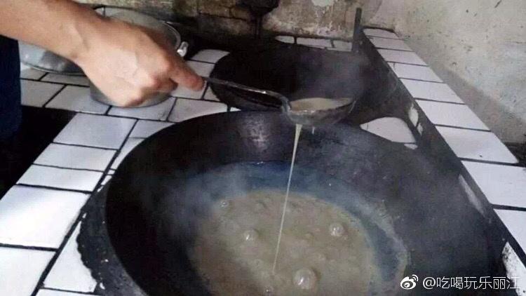 这才是到丽江必吃的美食,揭秘制作全过程!