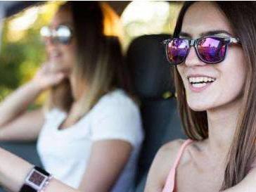哪种颜色的墨镜更适合开车时候戴?别的色为何不建议