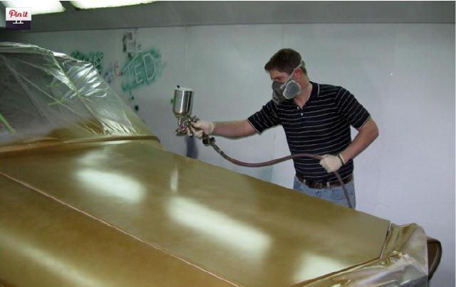这位英国男子将这辆报废车修复如初,内饰按私人飞机改装,奢侈!