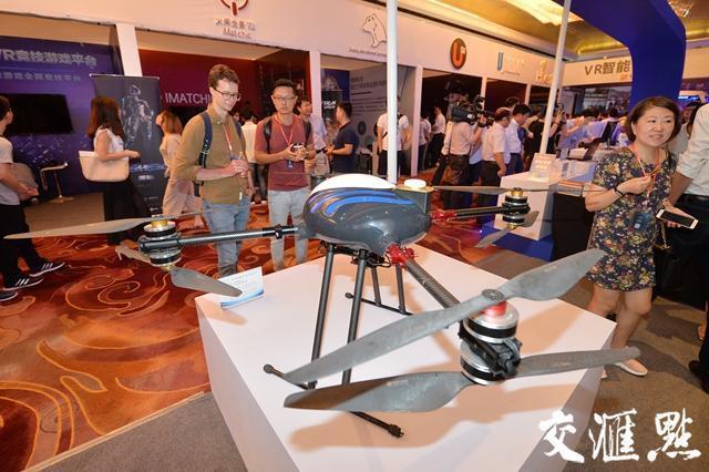 VR技术最早变现的一波会在数字娱乐领域?专家们这样说