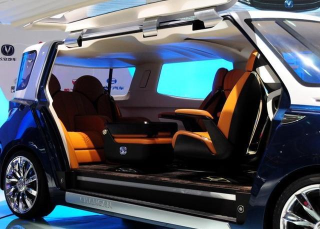 座椅360度旋转,这国产MPV比别克牛