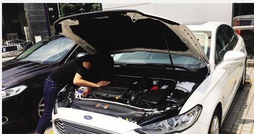 车主提车发现蒙迪欧发动机锈蚀严重,这可是新车啊