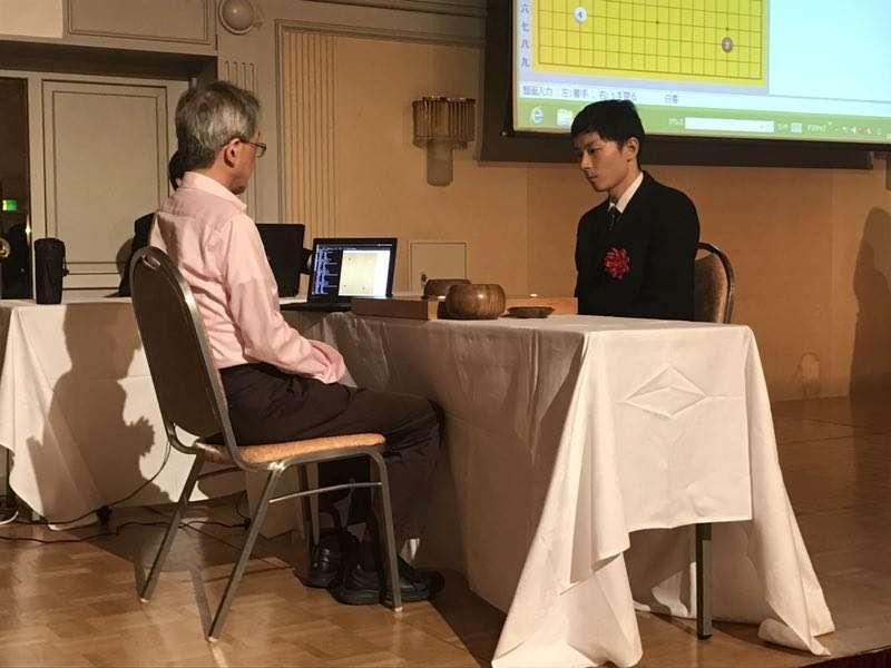 日本围棋大会开幕啦:地震狗现场表演