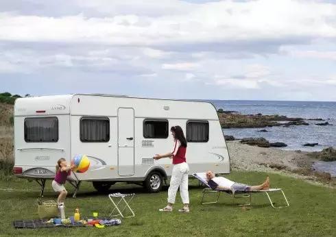 带着家去旅行,拥有一台房车究竟是什么样的生活?