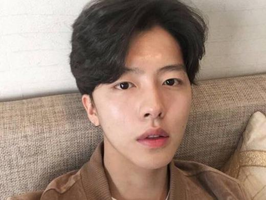 韩式男生中分发型 完美诠释时尚潮男风尚图片