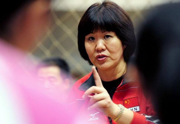 女排比赛后记者采访:让朱婷难堪,给安帅挖坑使绊!
