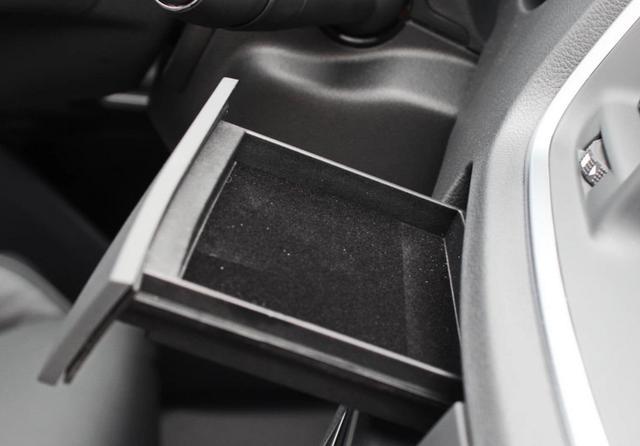 混动雅阁怎比帕萨特和508,隔音和舒适表现差强人意