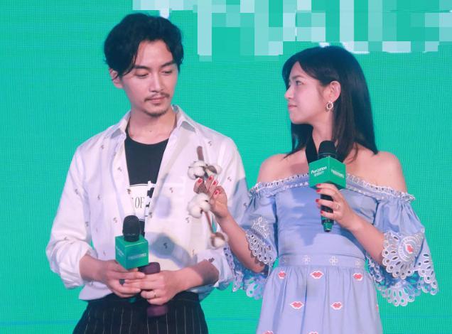 陈晓和妻子陈妍希