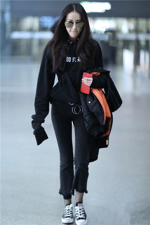 女星穿丝袜:刘亦菲淑女,迪丽热巴引领潮流