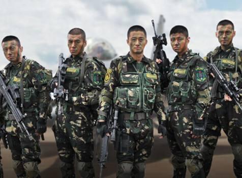 同演特种兵走红,今一个拍电影赚43亿,一个不温不火