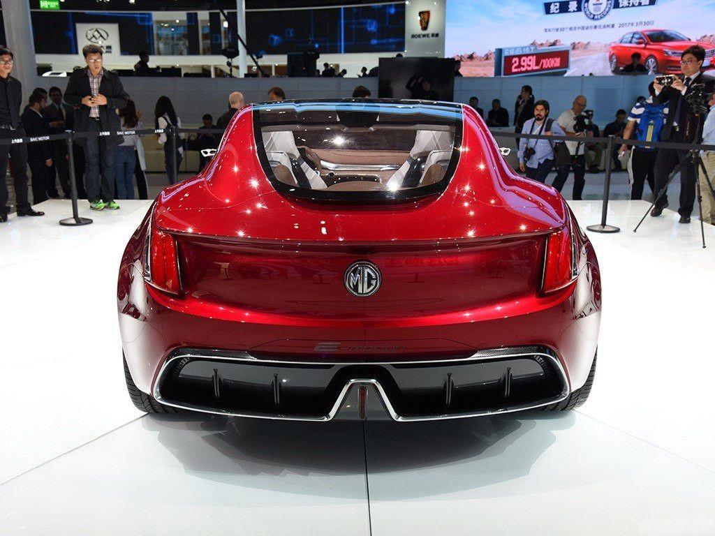 最帅国产跑车,蝴蝶门全景天窗,才卖20万谁不想要?