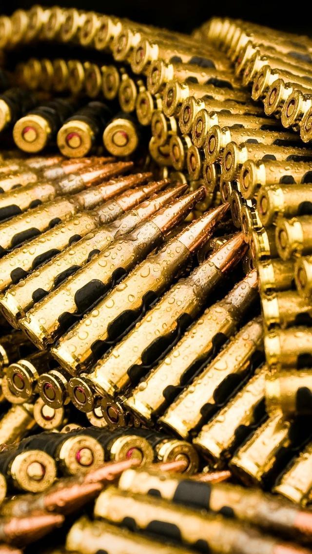 将子弹整齐排列的工具:弹链