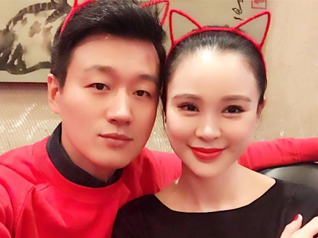 佟大为大女儿像王祖贤,儿子超萌,二女儿被疑领养?