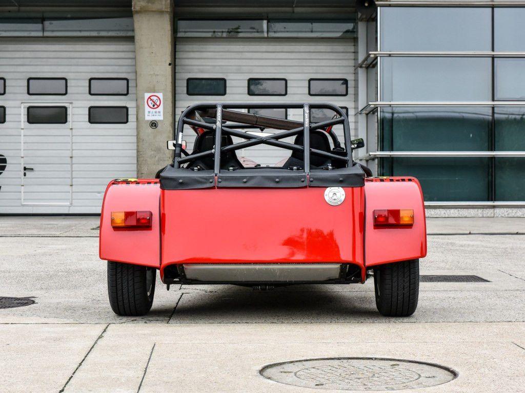 一没车门二没挡风玻璃,这辆拖拉机跑车竟敢卖60万!