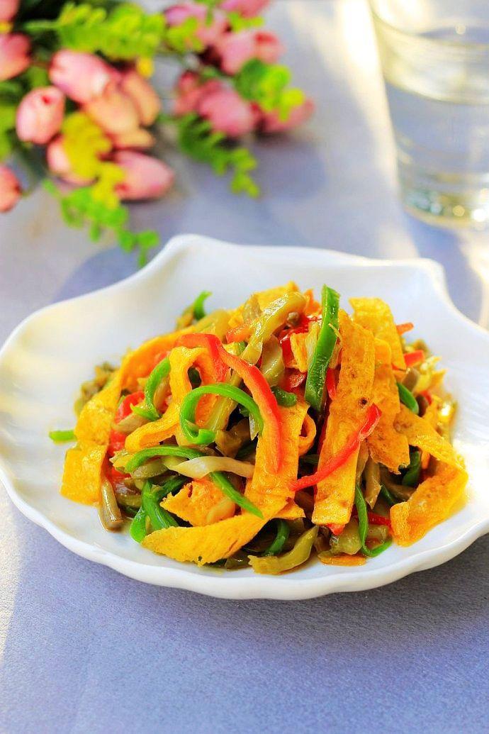 榨菜不要天天做小菜了,和它炒,吃两碗家常做法圆白菜泡菜的米饭图片