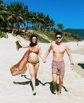 也是祝福李小萌和王雷一家幸福健康,小孩子也长得挺可爱.