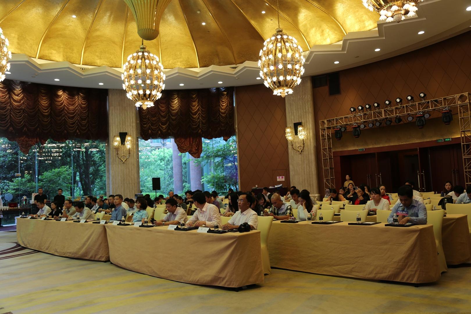 中国广西—越南广宁旅游邀上海市民感受边关跨国风情